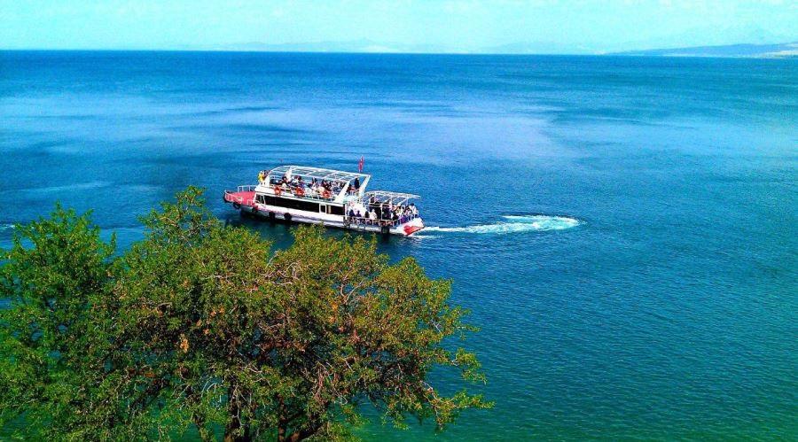دریاچه وان